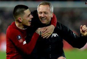 Adam Lewis เซ็นสัญญาระยะยาวใหม่กับ Liverpool FC
